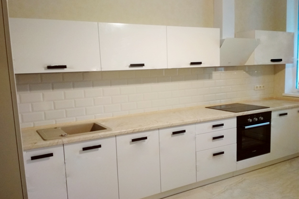 белая кухня мдф краска с Blum фурнитурой не дорого нна заказ